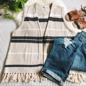🌿 NWT Madewell Coastward Fringe Sweater Vest 🌿